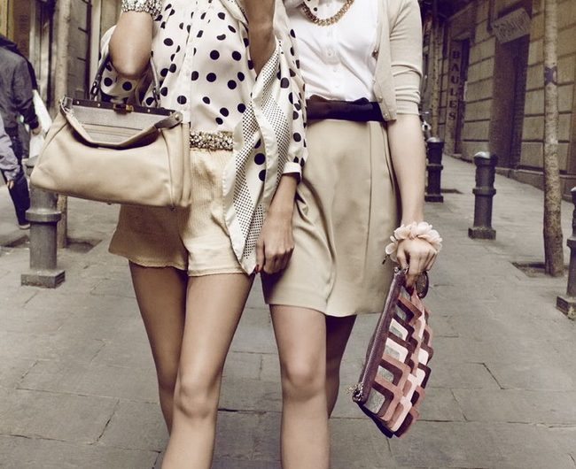 Phong cách Vintage là gì? Nên phối chân váy vintage với áo gì tạo Fanshion nhất 2020?