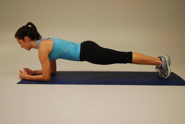Plank khủy tay tăng cường sức mạnh và là cách làm thon gọn bụng cấp tốc