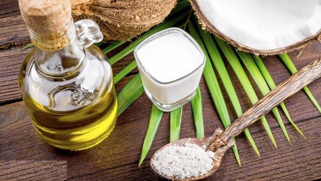 Công thức làm mặt nạ sữa tươi không đường và dầu dừa, muối tinh