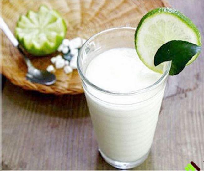 Uống nước dừa pha chanh