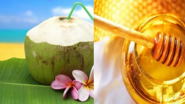 Pha mật ong với nước dừa để cải thiện vóc dáng