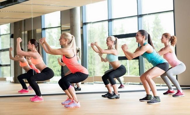 Bài tập bật nhảy squat