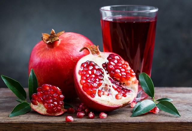 Nước ép trái cây nào giảm mỡ bụng