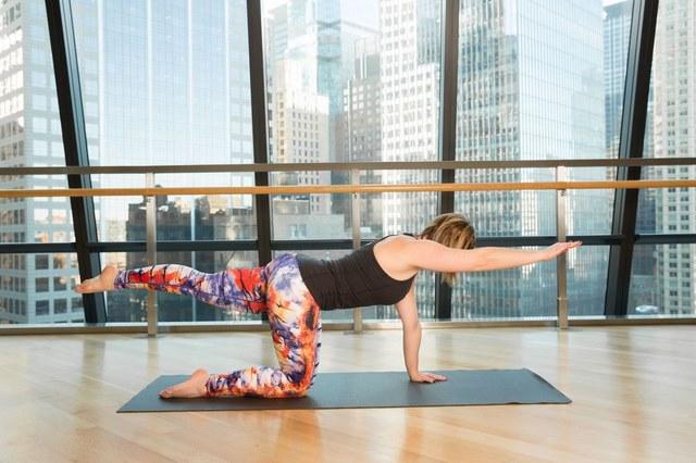 yoga giảm mỡ bụng trước