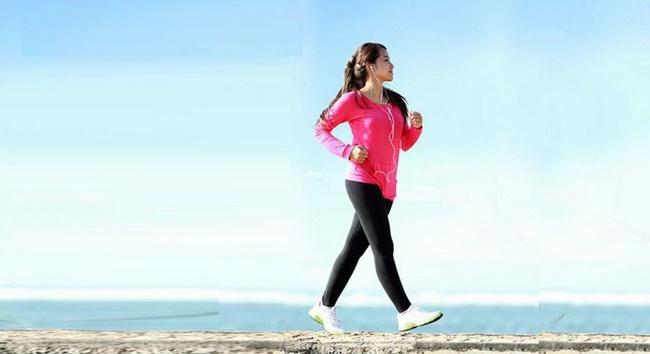 Bài tập Cardio đi đều xoay tay giảm cân