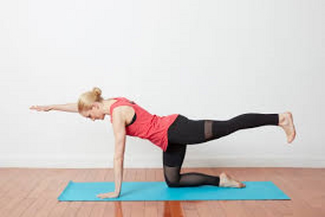 Bài tập Cardio giảm cân duỗi tay và chân tập bụng