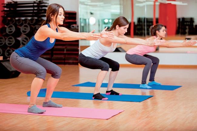 Bài tập Squat giảm mỡ bụng đơn giản