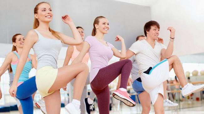 Bài tập thể dục nhịp điệu giảm cân toàn thân - Aerobic