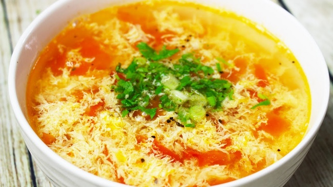Canh cà chua trứng giảm cân