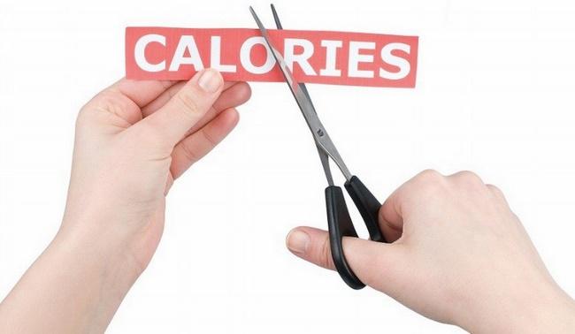 Cắt giảm lượng calo nạp vào cơ thể
