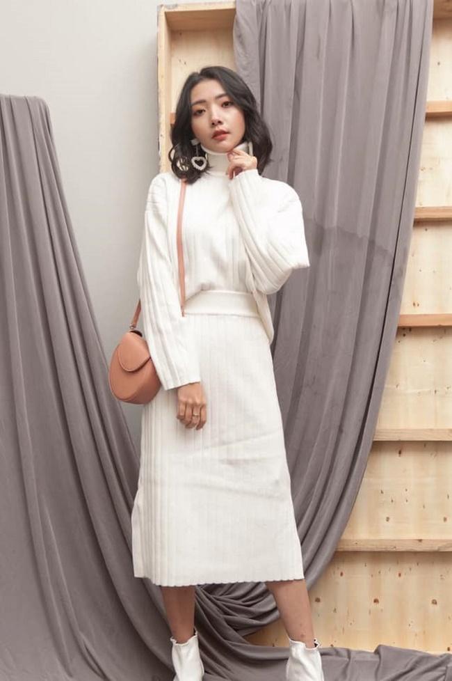 Chân váy len dài với áo ton-sur-ton
