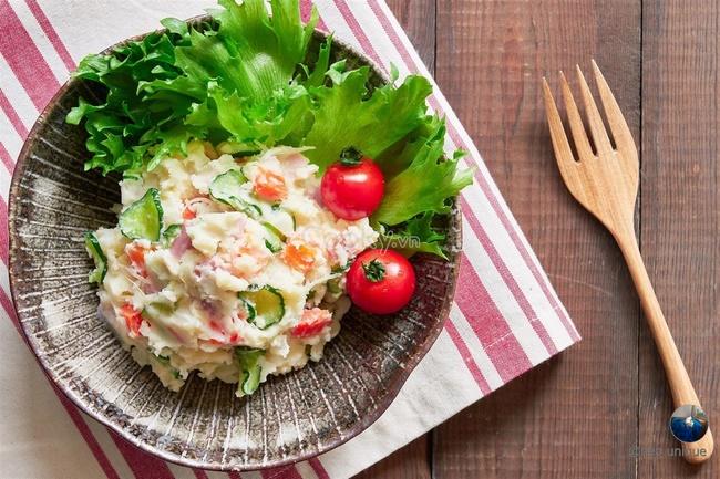 Chế biến món salad khoai tây giảm cân