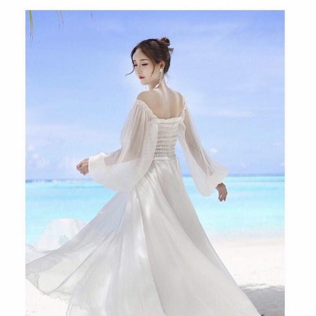 Đầm maxi công chúa tạo vẻ ngoài mong manh và nổi bật