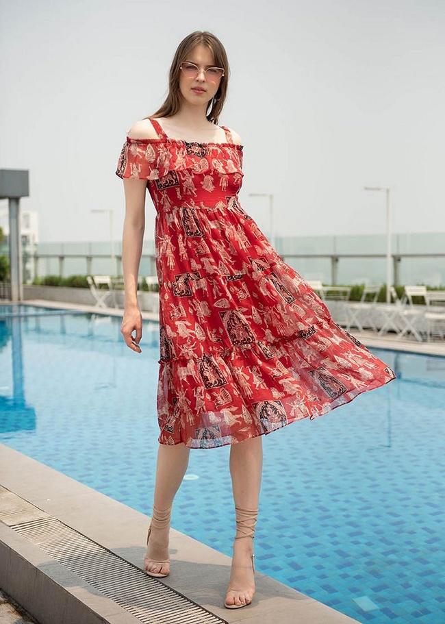 Đầm maxi dáng ngắn rất hợp với cô nàng nấm lùn, chân to