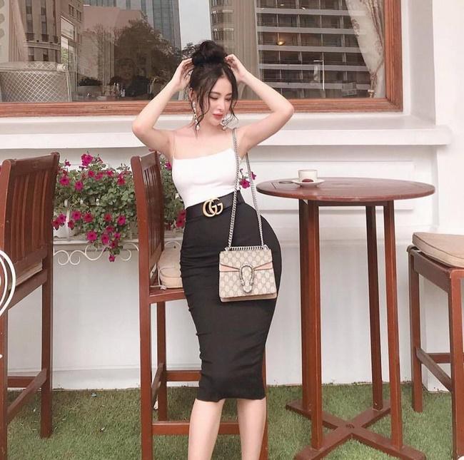 Dáng người hình quả táo hợp với chân váy mini giúp nàng trở nên thanh lịch hơn