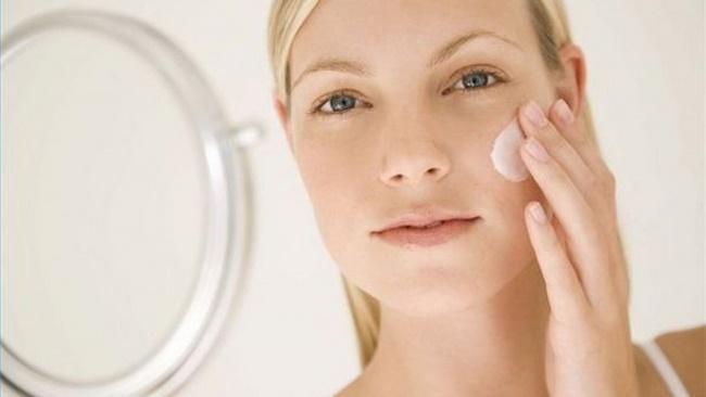 Để có làn da khỏe mạnh lên dùng đúng cách làm trắng da bằng kem đánh răng