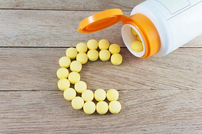 Điều trị mụn thâm bằng thuốc vitamin C