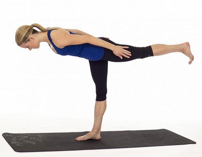 Đứng giữ thăng bằng 1 chân
