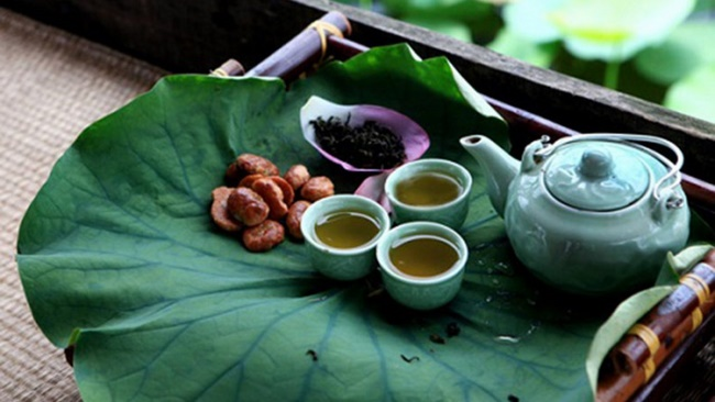 Giảm cân bằng trà lá sen khô