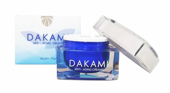 Kem chăm sóc da Dakami
