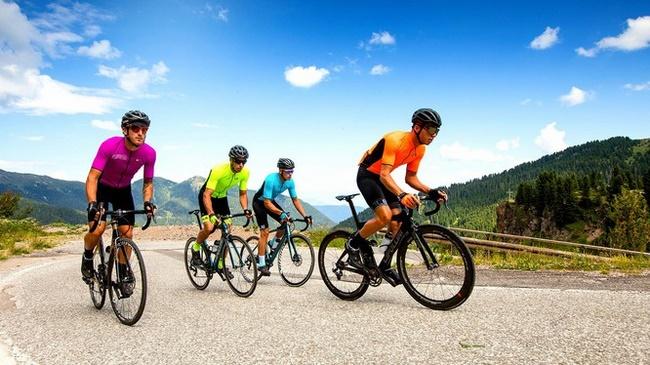 Khi kết hợp mức độ đạp chậm và đạp tăng tốc độ với nhau vừa rèn luyện sức bền cho cơ thể, vừa giảm mỡ bụng hiệu quả