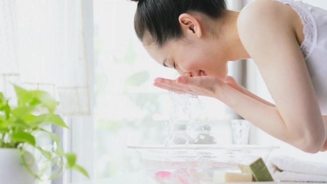Làm sạch da loại bỏ độc tố, chất cặn bẩn trong da