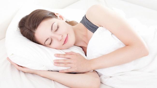 Ngủ đủ giấc giúp phục hồi và sản sinh các tế bào mới cho da