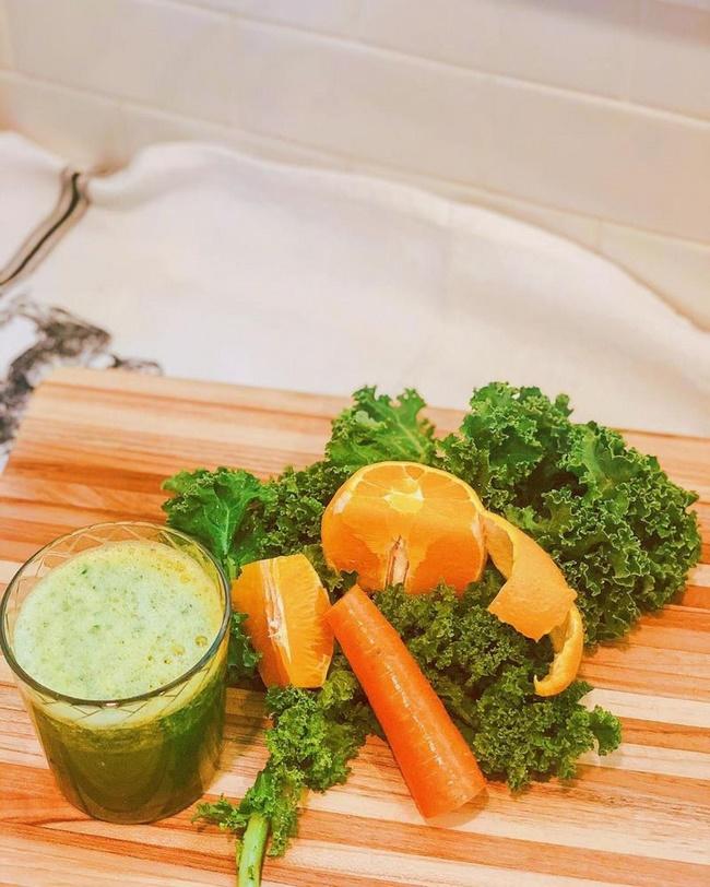 Nước ép cần tây và cam cùng bó xôi chống lại oxy hóa thúc đẩy giảm cân