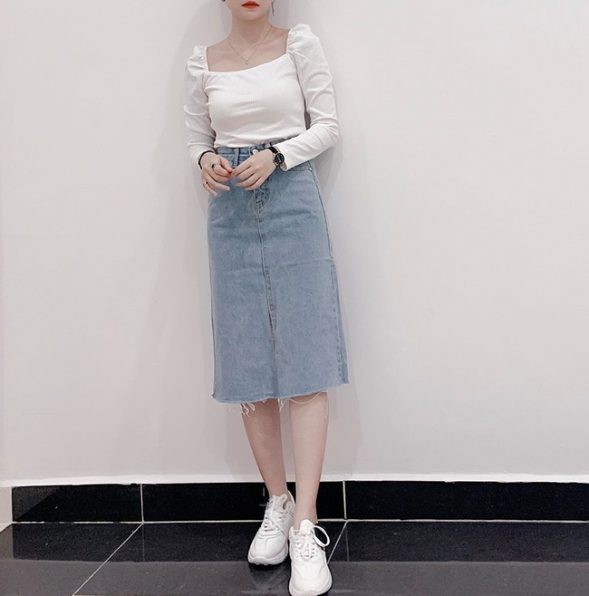 Shop Chjshop Boutique sở hữu những chiếc chân váy Jean hợp thời trang, năng động và trẻ trung