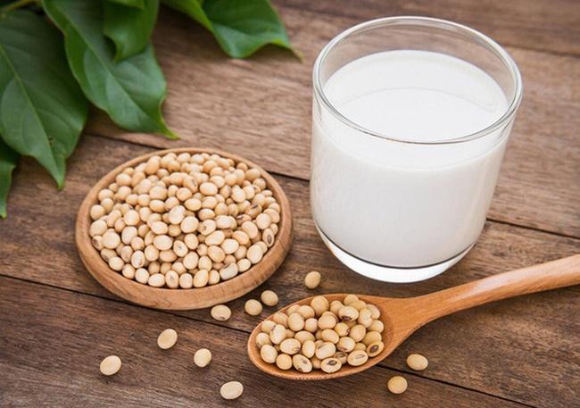 Sữa đậu nành chứa chất béo không bão hòa đơn, ngăn chặn sự phát triển của mỡ