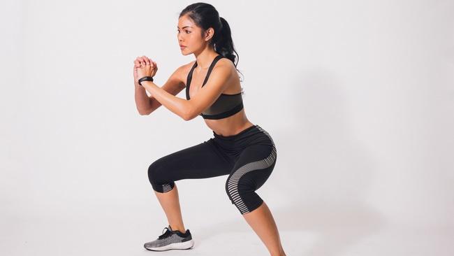 Tập Squat giảm mỡ bụng hiệu quả cần lưu ý tới động tác và tư thế thực hiện
