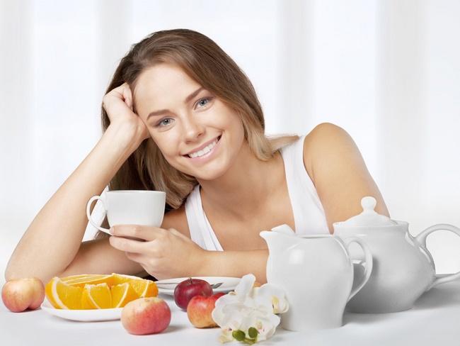 Thời gian uống sinh tố giảm cân tốt nhất khoảng 15 - 30 phút sau bữa ăn
