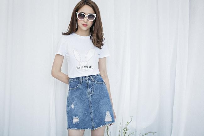 Trẻ trung, tươi tắn với set đồ áo phông và chân váy Jean
