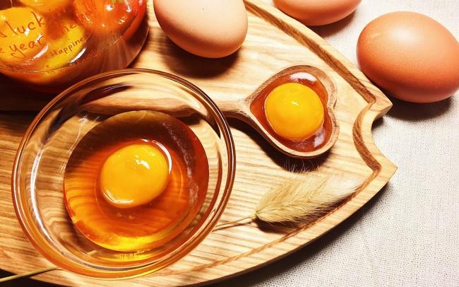 Trứng gà chứa nhiều thành phần dinh dưỡng vừa tốt cho sức khỏe và chăm sóc da hiệu quả