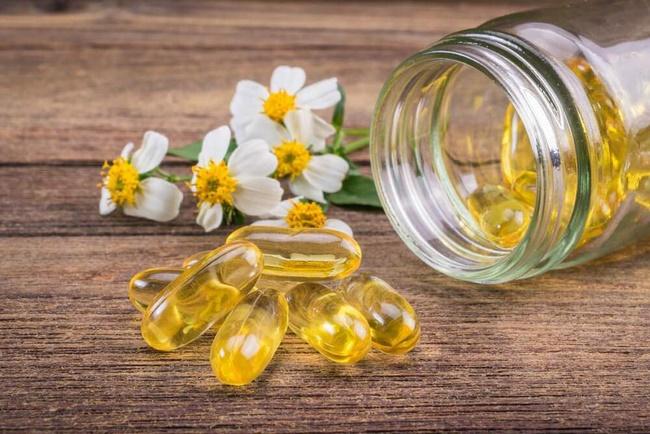 Uống vitamin E có thể nuôi dưỡng làn da từ sâu bên trong cải thiện sắc tố da