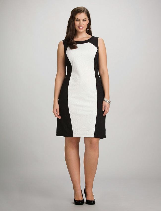 Mẫu dáng suông là lựa chọn hoàn hảo khi chọn váy cho người thấp và chân to che đi phần bụng mỡ và đôi chân thô