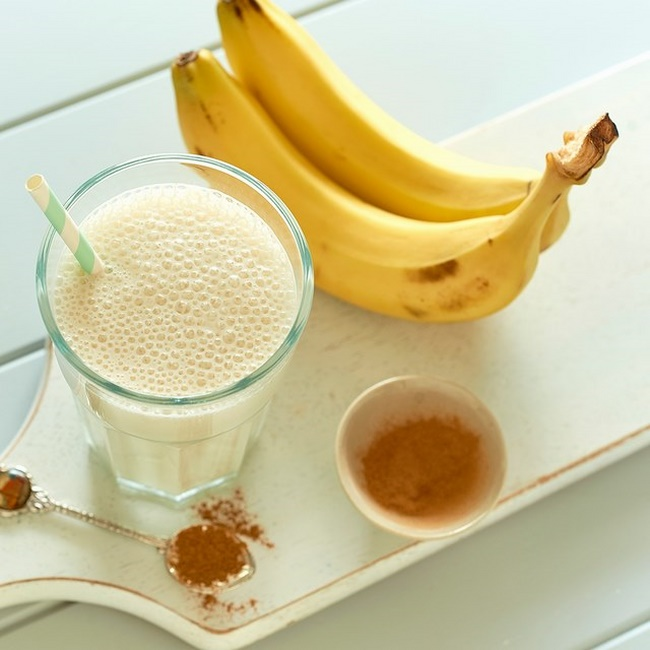 Làm sinh tố chuối tạo thực đơn giảm cân phong phú hơn