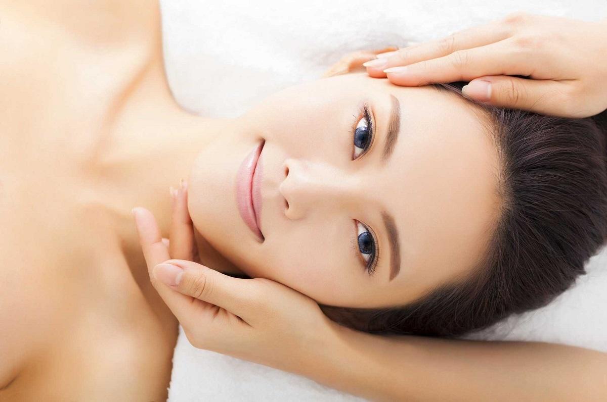 Massage cho vùng mặt trở nên thon gọn, săn chắc hơn